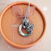 Украшения ручной работы. Ярмарка Мастеров - ручная работа Подвеска с кошкой Бирма. Handmade.