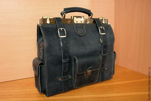 """Мужские сумки ручной работы. Ярмарка Мастеров - ручная работа. Купить """"Брокер"""" Сумка - саквояж кожаный, чёрно-синий, ручной работы. Handmade."""