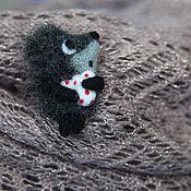 Украшения ручной работы. Ярмарка Мастеров - ручная работа Ежик в тумане. Handmade.