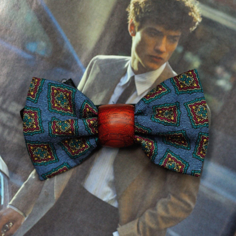 Бабочка из африканской породы дерева Окан и галстучного синего шелка, Галстуки, Москва,  Фото №1