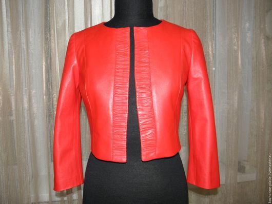 Верхняя одежда ручной работы. Ярмарка Мастеров - ручная работа. Купить Красная (коралловая) короткая кожаная куртка до талии. Handmade.
