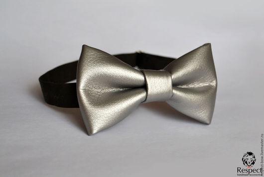 Галстуки, бабочки ручной работы. Ярмарка Мастеров - ручная работа. Купить Галстук бабочка Серебро / кожаная бабочка-галстук серебряная, кожзам. Handmade.