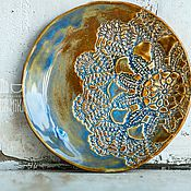 Посуда ручной работы. Ярмарка Мастеров - ручная работа Керамическое блюдо ручной работы. Кружевная серия.. Handmade.