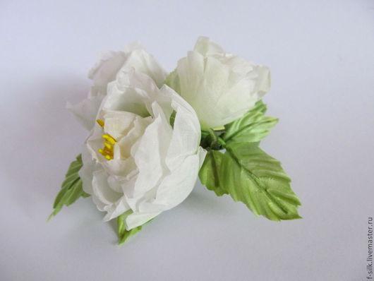 Заколки ручной работы. Ярмарка Мастеров - ручная работа. Купить Белые розы: брошь-заколка и 4 розы на шпильках. Handmade.