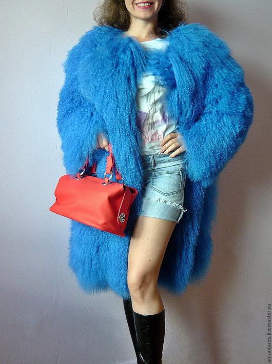 Верхняя одежда ручной работы. Ярмарка Мастеров - ручная работа. Купить Шуба с капюшоном из меха тибетской ламы ярко-синяя. Handmade.