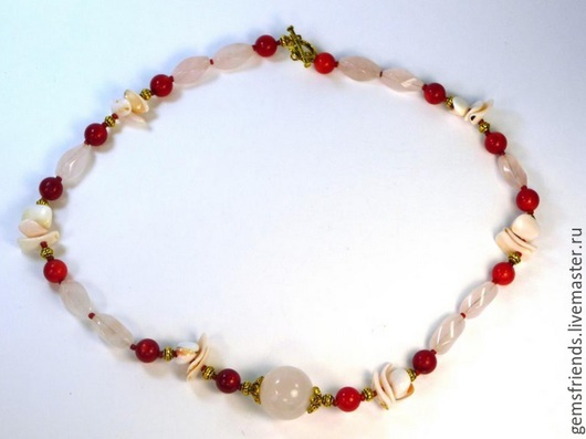 Колье, бусы ручной работы. Ярмарка Мастеров - ручная работа. Купить Ожерелье из розового кварца, коралла, ракушки. Handmade.