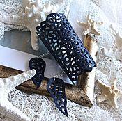 Украшения ручной работы. Ярмарка Мастеров - ручная работа Широкий кожаный браслет Темно-синее кружево. Handmade.
