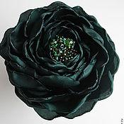 """Украшения ручной работы. Ярмарка Мастеров - ручная работа Цветок-брошь из ткани """"Тёмно-зелёный"""". Handmade."""