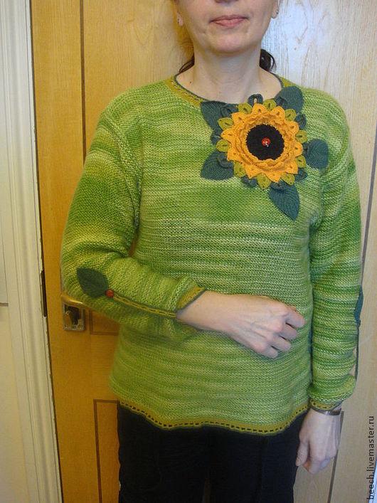 Кофты и свитера ручной работы. Ярмарка Мастеров - ручная работа. Купить джемпер-пуловер,вязанный спицами с аппликацией подсолнух Цветок солнца. Handmade.