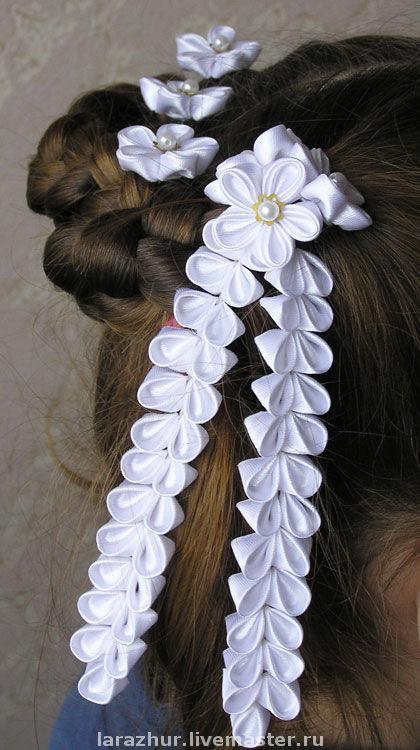"""Заколки ручной работы. Ярмарка Мастеров - ручная работа. Купить """"БелосНежность"""" Шпильки с  подвесками. Handmade. Канзаши, шпильки для волос, белый"""