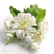 Украшения ручной работы. Ярмарка Мастеров - ручная работа Брошь с белыми хризантемами и розами. Handmade.