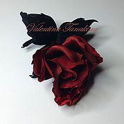 """Украшения ручной работы. Ярмарка Мастеров - ручная работа цветок из натурального шелка """"бутон красной розы"""". Handmade."""