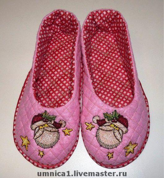 """Обувь ручной работы. Ярмарка Мастеров - ручная работа. Купить Тапки """"Рождественские"""". Handmade. Домашние тапочки, авторские тапочки"""