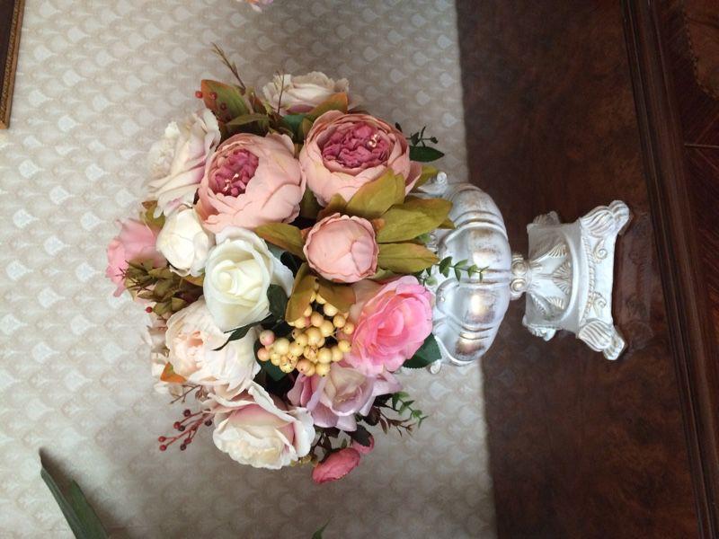 Композиция из искусственных цветов в вазоне в стиле ампир и барокко!