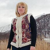 Одежда ручной работы. Ярмарка Мастеров - ручная работа Жилетка из овчины в павловопосадском стиле. Handmade.