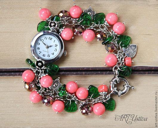 """Часы ручной работы. Ярмарка Мастеров - ручная работа. Купить Часы-браслет """"Летние ягоды"""". Handmade. Браслет, браслет из камней"""