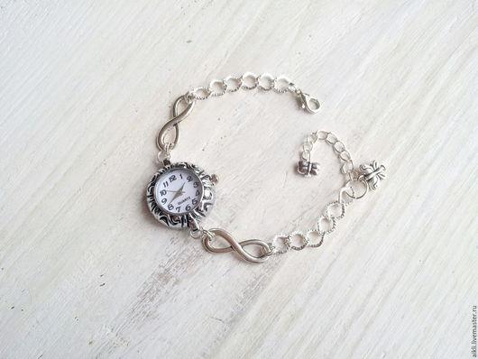 """Часы ручной работы. Ярмарка Мастеров - ручная работа. Купить Часы женские наручные """"Бесконечность"""". Handmade. Серебряный, часы в подарок"""