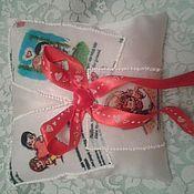 """Подушечки ручной работы. Ярмарка Мастеров - ручная работа Подушка для обруч.колец в стиле""""love is..."""". Handmade."""