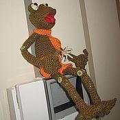 Куклы и игрушки ручной работы. Ярмарка Мастеров - ручная работа Вязаная лягушка - Стасик Болотный. Handmade.