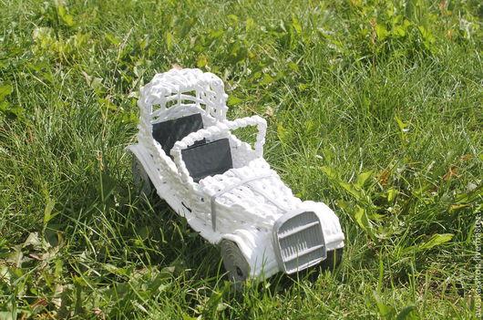 Миниатюрные модели ручной работы. Ярмарка Мастеров - ручная работа. Купить Белоснежный ретро-автомобиль: сувенир для ценителей. Handmade. Белый