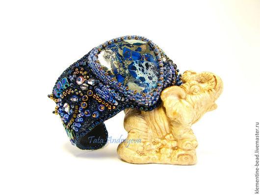 Браслеты ручной работы. Ярмарка Мастеров - ручная работа. Купить Браслет Denim. Handmade. Синий, браслет с камнем, ночь