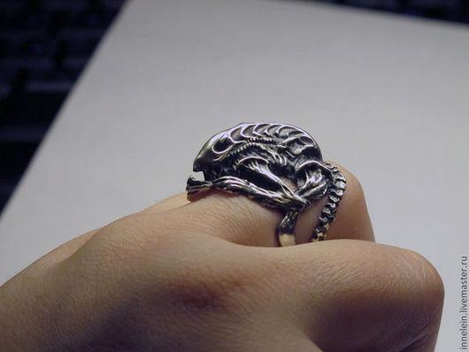 """Кольца ручной работы. Ярмарка Мастеров - ручная работа. Купить Серебряное кольцо """"Чужой"""". Handmade. Серебряный, кольцо чужой, alien"""