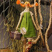 Куклы и игрушки ручной работы. Ярмарка Мастеров - ручная работа Пеппи-длинный чулок с чемоданом золота. Handmade.