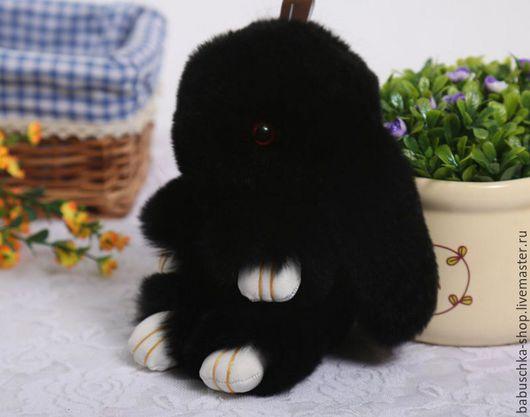 Куклы и игрушки ручной работы. Ярмарка Мастеров - ручная работа. Купить Зайка из натурального меха - черный 13 см. Handmade.