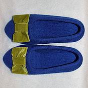 """Тапочки ручной работы. Ярмарка Мастеров - ручная работа Валяные тапочки """" Синие с зеленым бантом"""" Сделаю на заказ 36,37,38,39. Handmade."""
