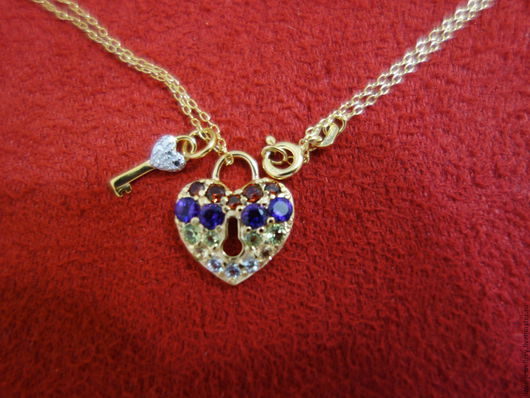 """Кулоны, подвески ручной работы. Ярмарка Мастеров - ручная работа. Купить """"Сердце с ключиком"""" - серебряный кулон Валентинка с самоцветами. Handmade."""