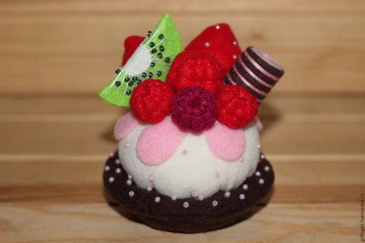 Еда ручной работы. Ярмарка Мастеров - ручная работа. Купить Пирожное из фетра. Handmade. Пирожное, еда для кукол, кукольная еда