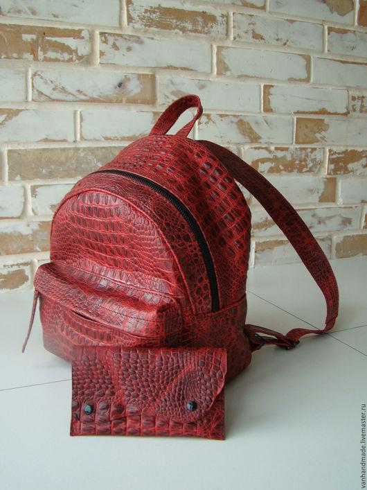 """Рюкзаки ручной работы. Ярмарка Мастеров - ручная работа. Купить Кожаный женский рюкзак и кошелек """"Крокодил красный"""" ))) Разные цвета. Handmade."""