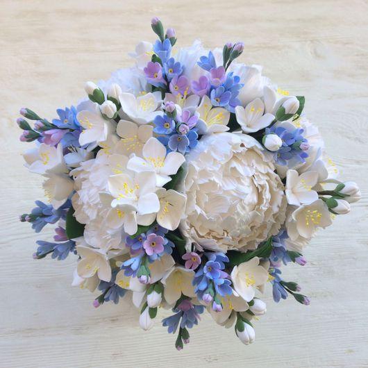 Свадебные цветы ручной работы. Ярмарка Мастеров - ручная работа. Купить Букет невесты из белых пионов, жасмина и незабудок. Handmade.