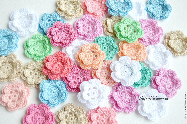 Вязанные цветы для декора одежды