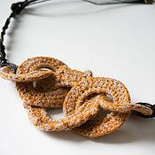 Украшения ручной работы. Ярмарка Мастеров - ручная работа Вязаное объемное ожерелье (бусы) на шею желтого цвета. Handmade.