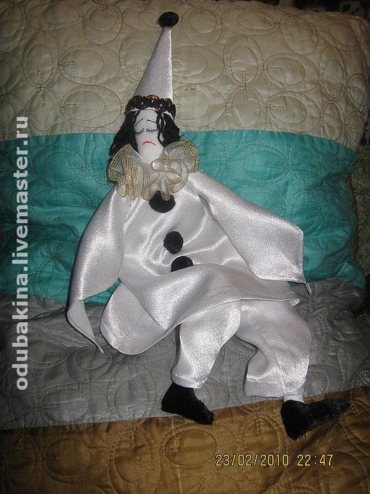 """Портретные куклы ручной работы. Ярмарка Мастеров - ручная работа. Купить интерьерная текстильная кукла """"Пьеро"""". Handmade. Интерьерная кукла"""