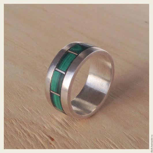 """Украшения для мужчин, ручной работы. Ярмарка Мастеров - ручная работа. Купить """"Малахитовый пояс"""", серебряное мужское кольцо. Handmade. Зеленый"""