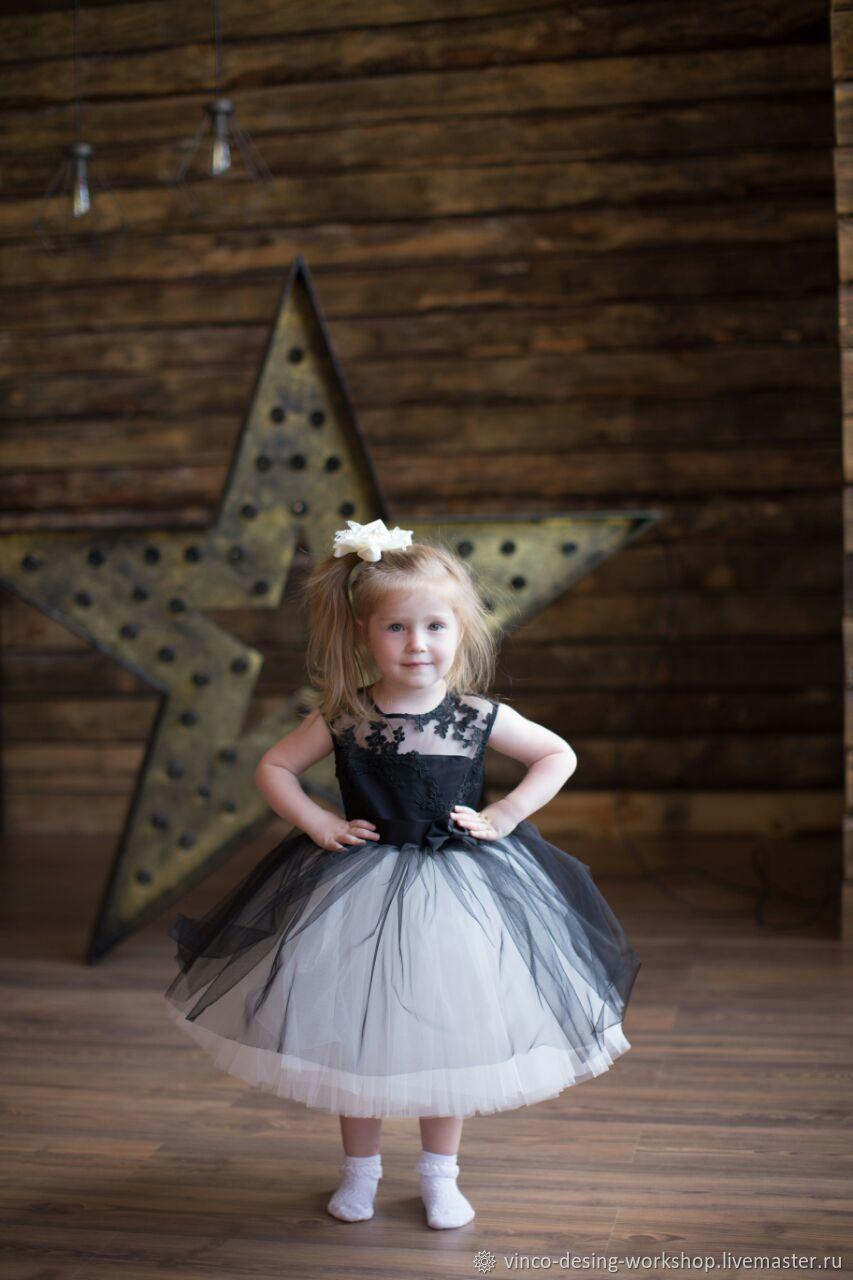 Платье детское черно-белое