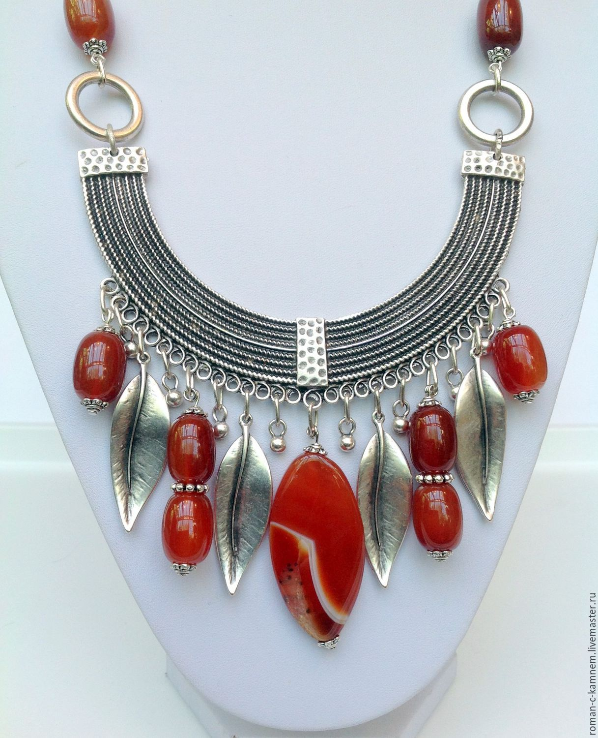 Necklace and earrings made of natural stones ethnic design Eden Gardens. Bright red-orange range.  Clothing in Bohemian style, country style, denim style.