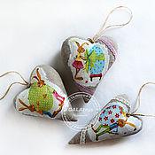 Подарки к праздникам ручной работы. Ярмарка Мастеров - ручная работа Пасхальные сердечки-подвески. Handmade.