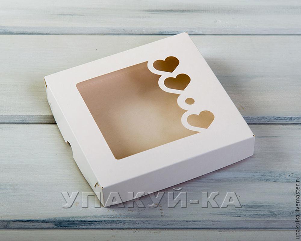 Коробка для пряников и печенья «Сердца», 16х16х3 см, с прозрачным окошком, белая (Арт. 0102008) Размер: 16х16х3см Материал: целлюлозный картон.