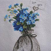 """Картины и панно ручной работы. Ярмарка Мастеров - ручная работа Вышитая крестиком мини-картинка """"Нежность незабудок. Handmade."""