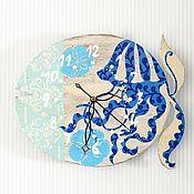 """Для дома и интерьера ручной работы. Ярмарка Мастеров - ручная работа Часы""""Рыба""""роспись море океан синий голубой бежевый морской медуза. Handmade."""