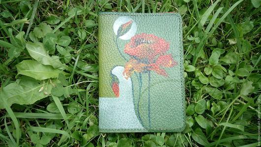 """Обложки ручной работы. Ярмарка Мастеров - ручная работа. Купить Обложка для паспорта """"Мак"""". Handmade. Подарок для женщины, мак из кожи"""