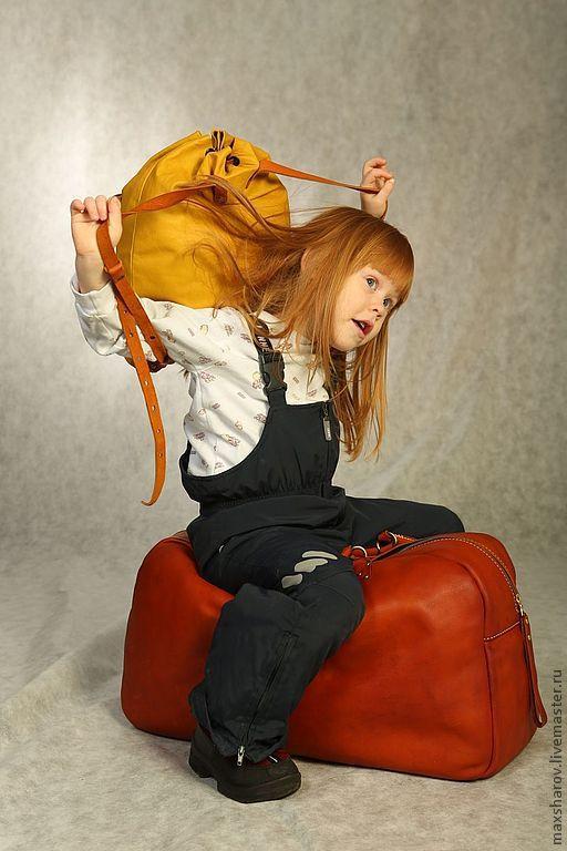 Спортивные сумки ручной работы. Ярмарка Мастеров - ручная работа. Купить Большая сумка ручной работы из настоящей толстой кожи № 002 traveling. Handmade.