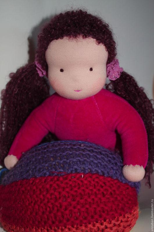 Вальдорфская игрушка ручной работы. Ярмарка Мастеров - ручная работа. Купить Куколка в пришивном комбинезоне малиновая 32 см. Handmade.
