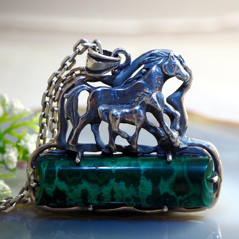 "Кулон ""Лошадки"" - малахит-сталактит, серебро, Подвеска, Прага,  Фото №1"