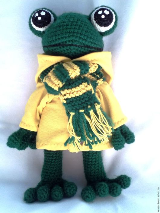 Игрушки животные, ручной работы. Ярмарка Мастеров - ручная работа. Купить Вязаный лягушонок фанат в курточке и шарфике. Handmade. Зеленый
