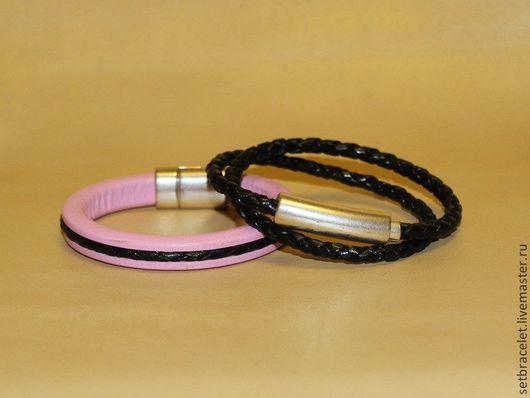 Браслеты ручной работы. Ярмарка Мастеров - ручная работа. Купить Женские кожаные браслеты комплект: розовый регализ с черным, плетенный. Handmade.