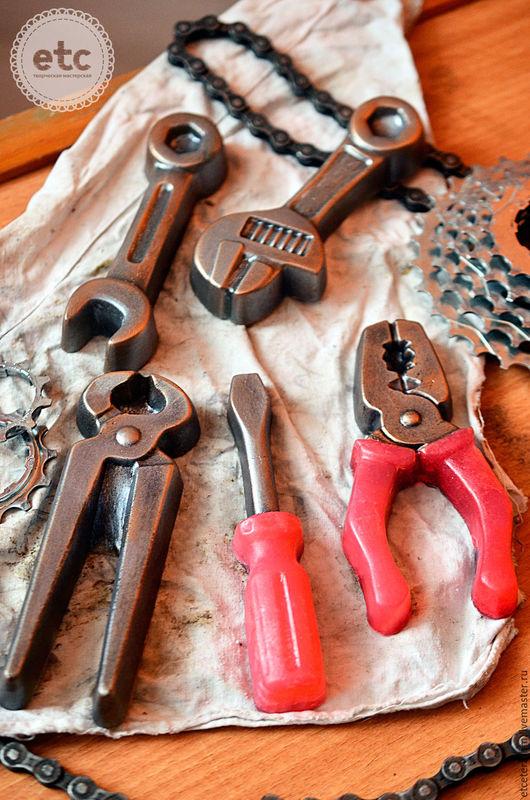 """Мыло ручной работы. Ярмарка Мастеров - ручная работа. Купить """"Я чиню велосипед"""" Инструменты набор мыла.. Handmade. Серебряный"""